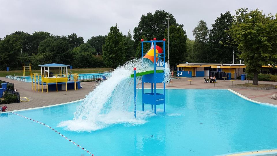 swimming-pool-2572377_960_720